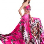 539156 Os vestidos estampados plissados caem muito bem em festas. Foto divulgação 150x150 Vestido estampado para festa: modelos, fotos