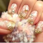 556935 O dourado fica muito bem combinado com tons nude e transparências. 150x150 Unhas decoradas com motivos natalinos: fotos