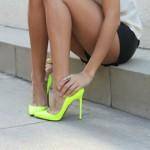 561176 As cores neon foram sucesso em 2012 e prometem continuar em alta em 2013. 150x150 Modelos de scarpin: fotos
