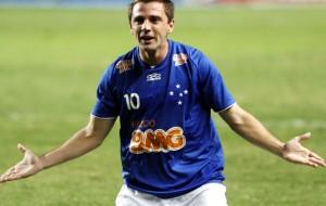 Santos anuncia Montillo como nova contratação