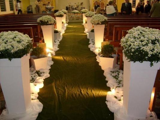 Decoração de casamento de igreja simples1