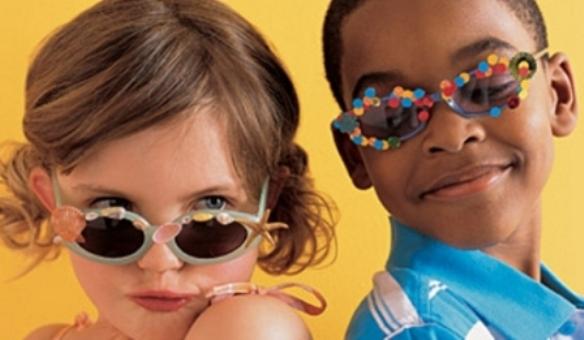 yH5BAEAAAAALAAAAAABAAEAAAIBRAA7. Os óculos de sol para crianças devem ter  tamanho correto ... 9a036c1840