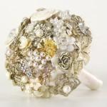 582364 Os buquês de broche são verdadeiras joias. 150x150 Buquê de broche: nova tendência noiva 2013