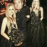 640475 Vestido de casamento da Avril Lavigne.1 150x150 Vestido de casamento da Avril Lavigne: fotos