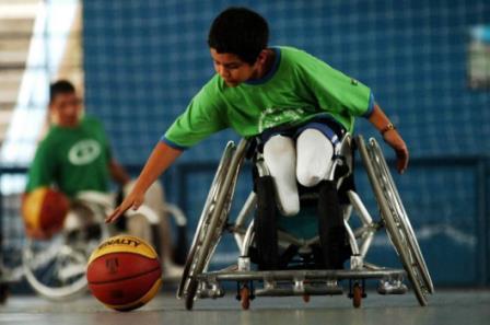 Cadeira de rodas infantil: onde comprar, preços