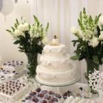 642607 Os arranjos de flores são ótimo para unir os elementos decorativos. 150x150 Decoração de batizado provençal: dicas, fotos