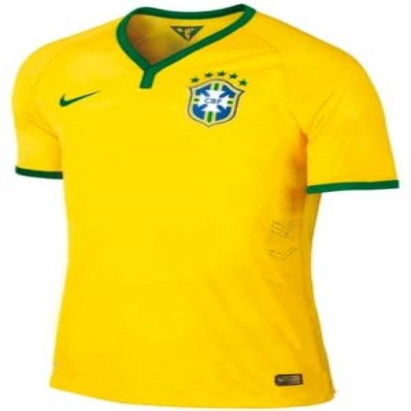 yH5BAEAAAAALAAAAAABAAEAAAIBRAA7. Imagem vazada da suposta camisa que o  Brasil usará na Copa 2014 ... fb6fed5d430c5