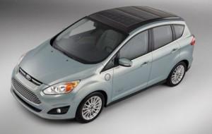 Ford apresenta carro movido a energia solar