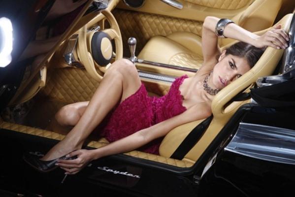 O couro legítimo é usado, também, em carros de luxo (Foto: Divulgação)