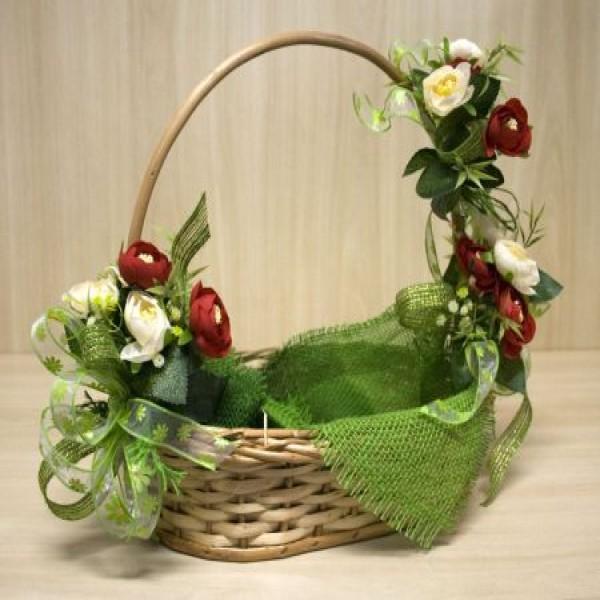 Como decorar e montar cestas para presentes - Como adornar cestas de mimbre ...