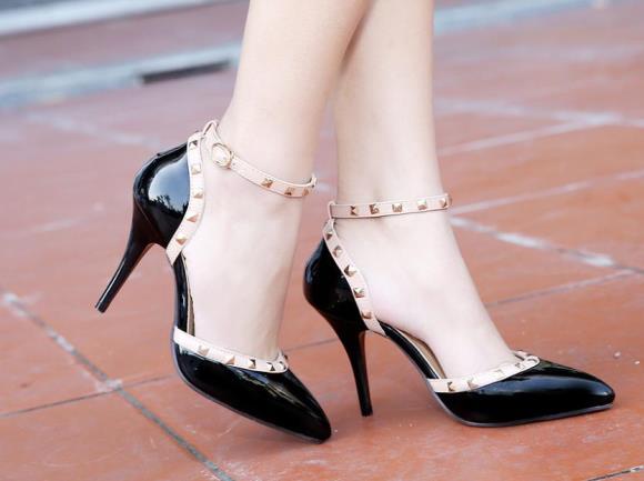 Sapatos com salto alto fino, coleções, modelos, preços