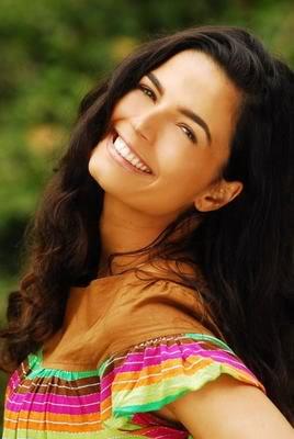 Emanuelle Araújo é 'Tieta do agreste' em musical