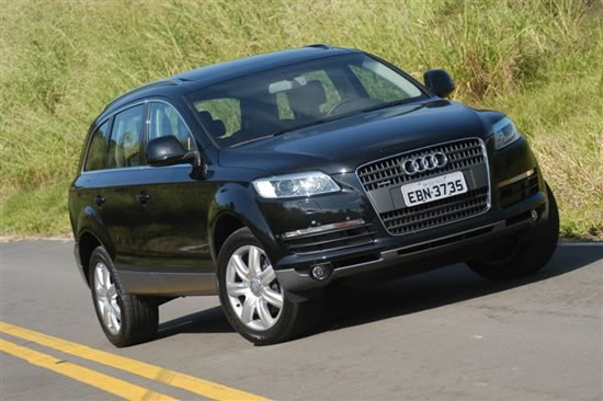 Fotos do Audi Q7 com novo motor 3.6