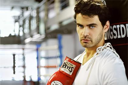 Fotos de Carmo Dalla Vecchia como lutador de boxe