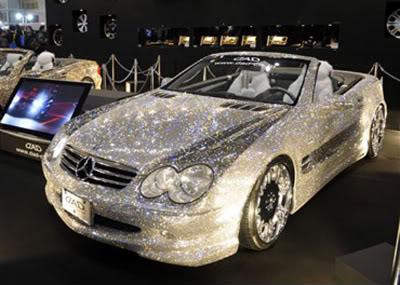 Foto carro coberto de cristais