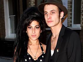 Marido de Amy Winehouse se sente culpado por vício da cantora