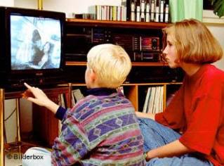 criança-programa-tv
