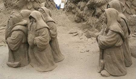 Escultura em Areia Anões