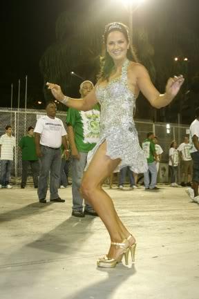 Fotos Luiza Brunet em ensaio para Carnaval