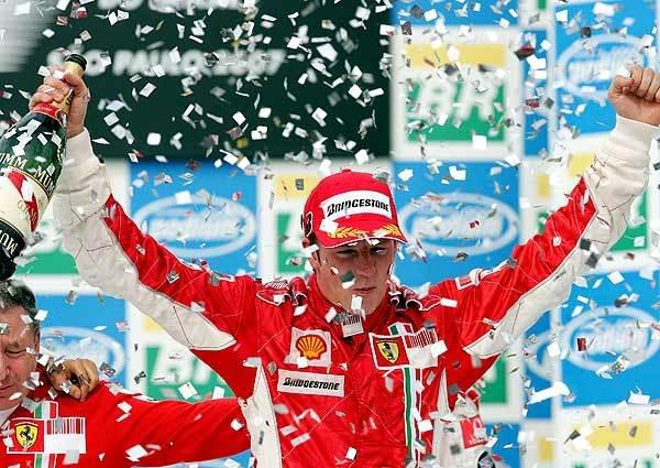 Kimi Raikkonen leva o título da temporada 2007 de F-1