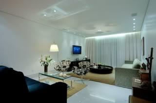 sala-decorada-com-moveis-marrom