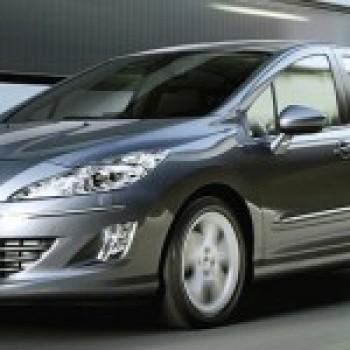 Peugeot 408 é lançado na China