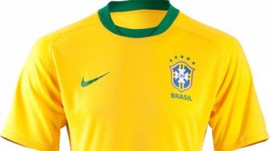 yH5BAEAAAAALAAAAAABAAEAAAIBRAA7. A camisa oficial do Brasil ... a7f343ee7a94a