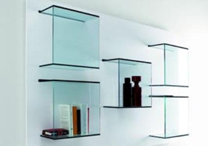 Como usar prateleiras de vidro na decoração?
