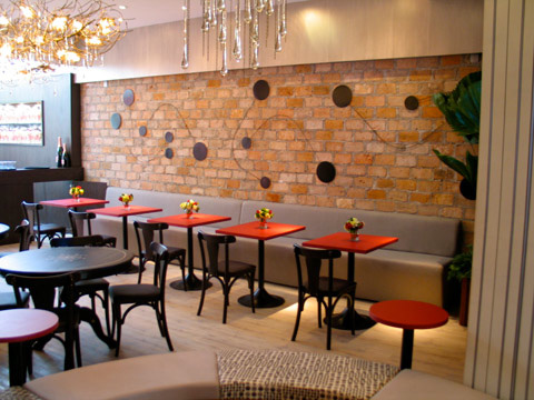Decora o de restaurantes rusticos mundodastribos for Adornos para bares rusticos
