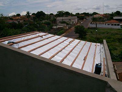 Isolante termico para telhado de zinco