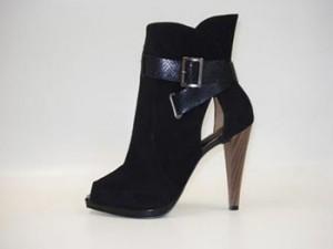 Como Usar Sandália Bota Com Calça 300x225 Como usar Sandália Bota Com Calça